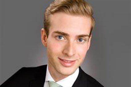 Stefan Giesemann - JLL