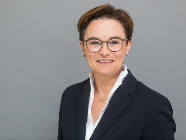 Susanne Klaußner - DIR Deutsche Investment Retail
