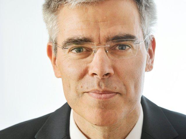 Dr. Cyrus de la Rubia - Hamburg Commercial Bank