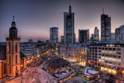 frankfurt s zeil most popular shopping area in germany refire. Black Bedroom Furniture Sets. Home Design Ideas